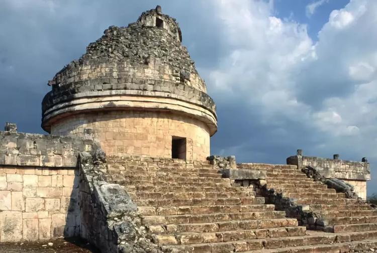 Обсерватория в Чичен-Ице (находится на территории современной Мексики)