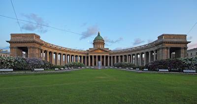 В 1811 году в Петербурге был освящен Казанский собор