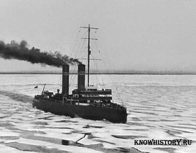 """В 1898 году на воду был спущен ледокол """"Ермак"""""""
