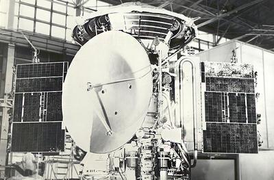 """27 ноября в 1971 году советская космическая станция """"Марс-2"""" достигла Марса"""