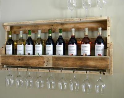 21 ноября в 1953 году вина в СССР вновь стали выпускаться под своими старыми наименованиями