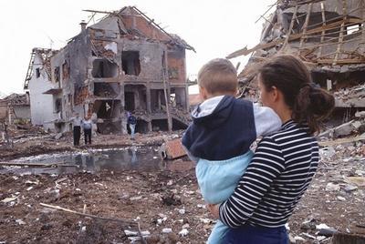 24 марта в 1999 году американская авиация начала бомбардировку Югославии