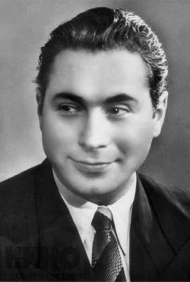 В 1919 году родился советский актёр Ефим Березин