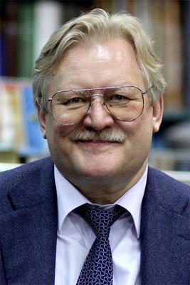 12 ноября в 1954 году родился режиссер, сценарист и продюсер Юрий Кара
