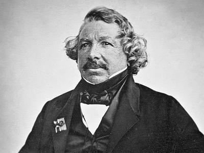 18 ноября в 1787 году родился создатель первых фотоснимков Луи Жак Манде Дагер