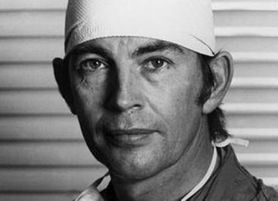 Южноафриканский хирург Кристиан Барнард