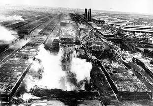 14 апреля в 1993 году пожар фактически уничтожил завод двигателей Камского автомобильного завода