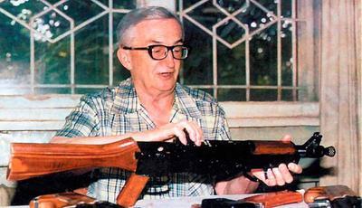 15 ноября в 1922 году родился известный конструктор оружия Игорь Яковлевич Стечкин