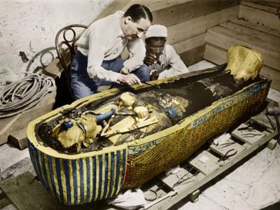 В 1922 году британский археолог Говард Картер обнаружил гробницу фараона Тутанхамона
