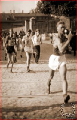 """В 1929 году в Ленинграде состоялась первая в СССР """"народная пешеходная гонка"""""""