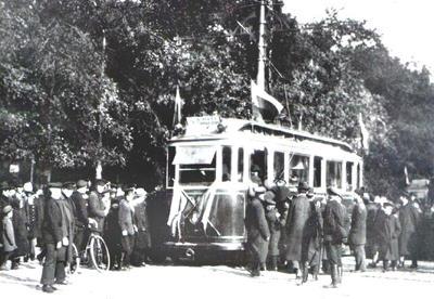 В 1907 годуПетербурге было открыто трамвайное движение