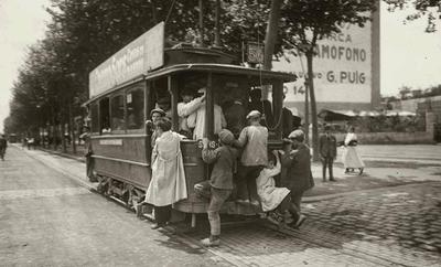 В 1926 году в Барселоне была торжественно открыта новая трамвайная ветка