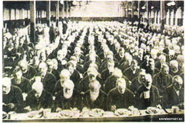 Обед в работном доме Лондон. 1900 г.