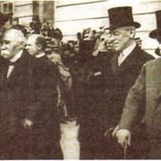 Ж. Клемансо, В. Вильсон и Д. Ллойд Джордж в Версале. 1919 г.