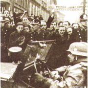 15 марта 1939 г. Немецкие войска входят в столицу Чехословакии Прагу