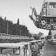 В 1930 году был пущен Сталинградский тракторный завод им. Дзержинского