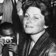 Дочь Сталина Светлана Аллилуева во время поездки в Индию отказалась вернуться в СССР
