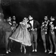 В 1909 году состоялось открытие русских балетных сезонов в Париже
