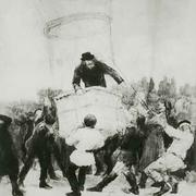 """Дмитрий Менделеев на воздушном шаре под названием """"Русский"""""""
