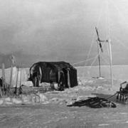 """В 1937 году начала свою работу первая научно-исследовательская полярная станция """"Северный полюс - 1"""""""