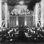 В 1899 году в Гааге открылась первая мирная конференция