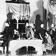 """В 1926 году пьеса Михаила Булгакова """"Дни Турбиных"""" была официально разрешена к постановке"""