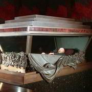 В 1973 году в Москве неизвестный взорвал гранату в мавзолее