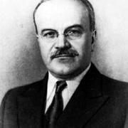 8 ноября в 1986 году скончался российский революционер Вячеслав Молотов