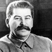 В 1942 году писатель Михаил Шолохов вторично удостоился чести встречать свой день рождения в Кремле с Иосифом Виссарионовичем